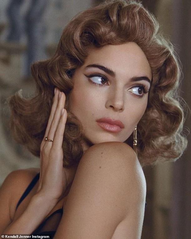 06102019 StajlSK Kendall Jenner 02 610x762 Kendall Jenner stelesňuje taliansky pôvab v  jesennej kampani Reserved