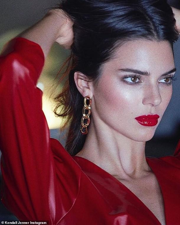 06102019 StajlSK Kendall Jenner 05 610x760 Kendall Jenner stelesňuje taliansky pôvab v  jesennej kampani Reserved