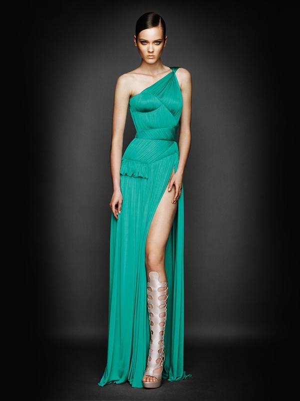Atlier2010P1Versace1 Ďalšie jesenné potešenie očí od Atelier Versace 2011