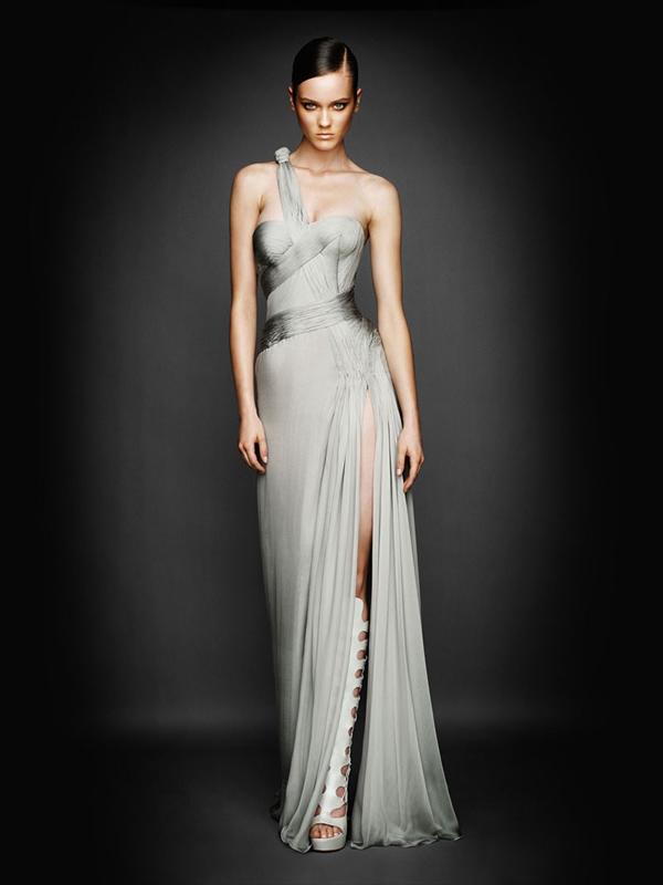 Atlier2010P1Versace3 Ďalšie jesenné potešenie očí od Atelier Versace 2011