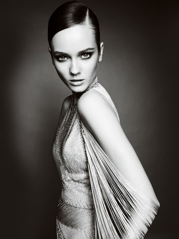 Atlier2010P1Versace6 Ďalšie jesenné potešenie očí od Atelier Versace 2011