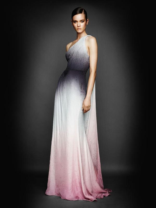 Atlier2010P2Versace6 Ďalšie jesenné potešenie očí od Atelier Versace 2011