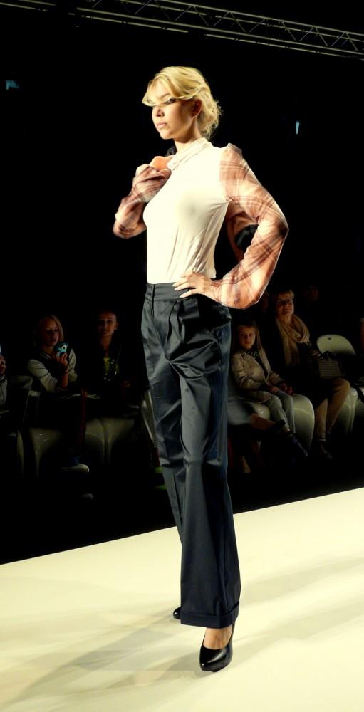 P1270974 511x1000 Prague Fashion Weekend 2012: Móda v Prahe žiari, ako nikdy predtým