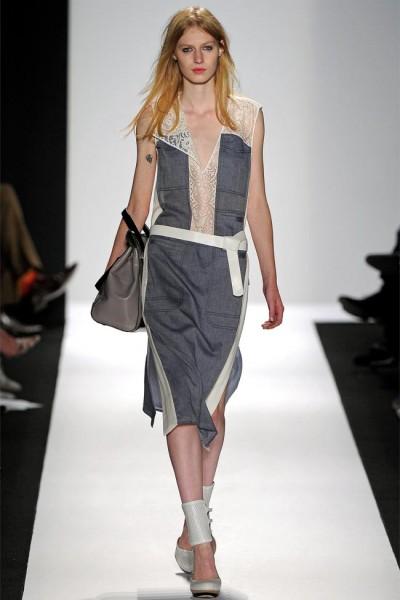 bcbg max azria23 400x600 New York Fashion Week sa začal. Sledujte ho s nami. Časť 1.