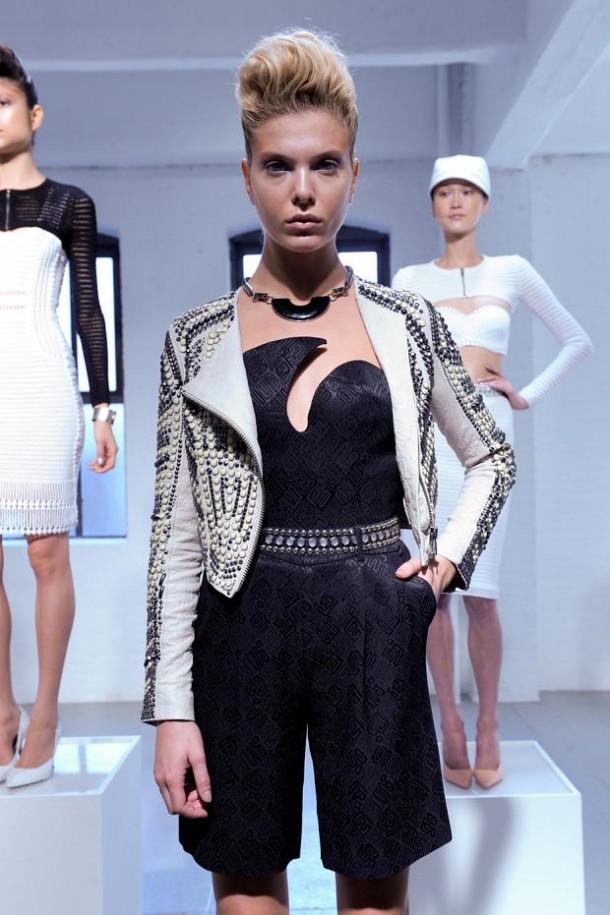 carine malrino spring summer 2013 nyfw38 610x915 New York Fashion Week sa začal. Sledujte ho s nami. Časť 1.