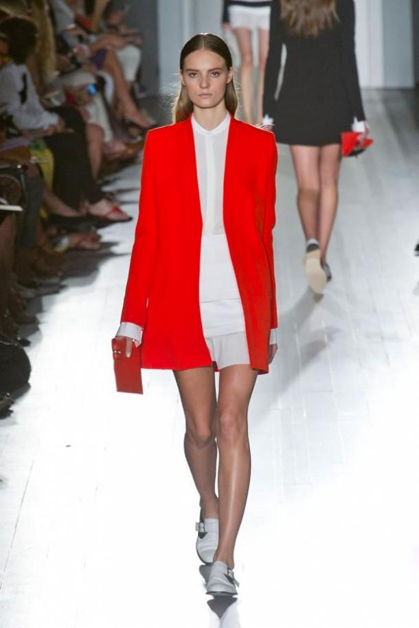 victoria beckham spring summer 2013 nyfw15 610x915 New York Fashion Week sa začal. Sledujte ho s nami. Časť 1.