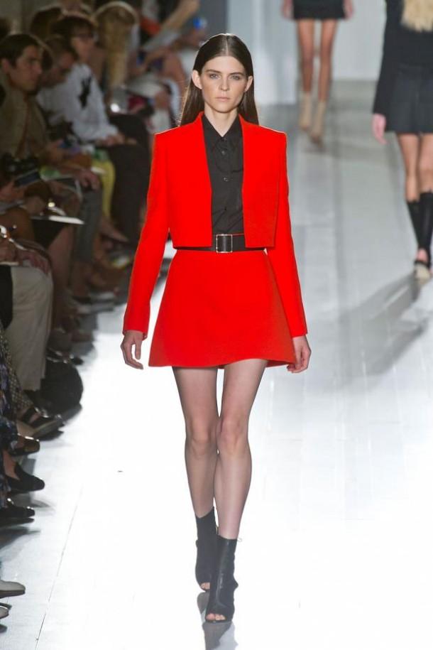 victoria beckham spring summer 2013 nyfw45 610x915 New York Fashion Week sa začal. Sledujte ho s nami. Časť 1.
