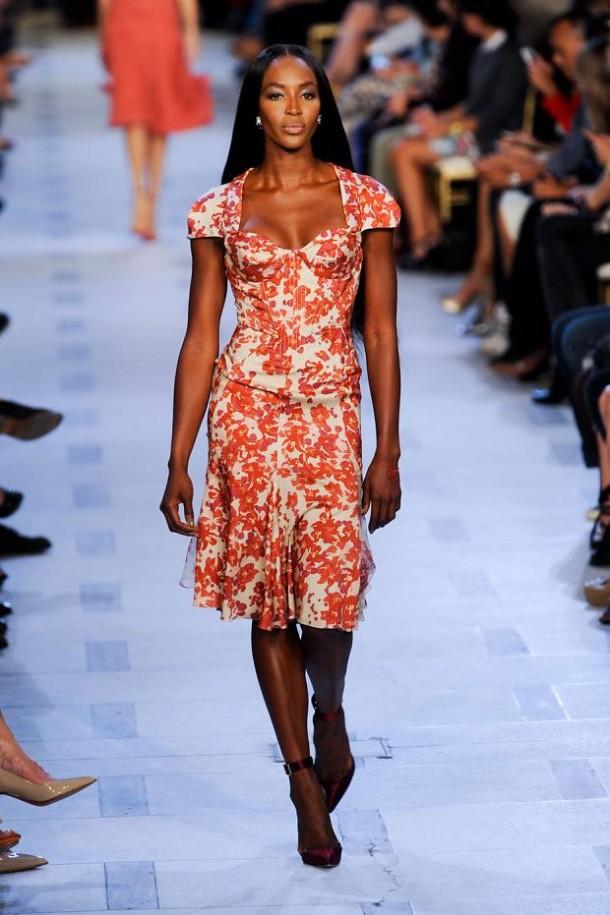 zac posen spring summer 2013 nyfw1 610x915 New York Fashion Week sa začal. Sledujte ho s nami. Časť 1.