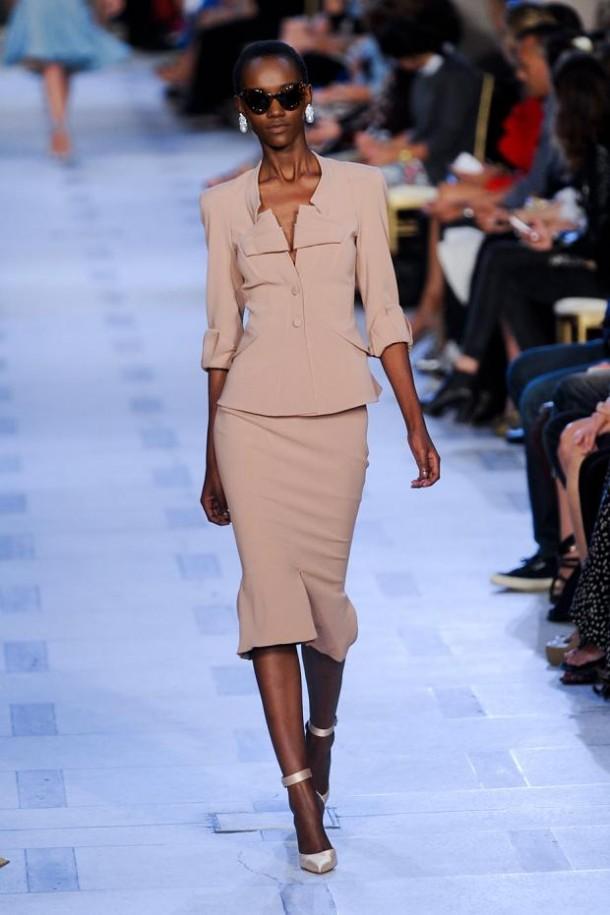 zac posen spring summer 2013 nyfw13 610x915 New York Fashion Week sa začal. Sledujte ho s nami. Časť 1.