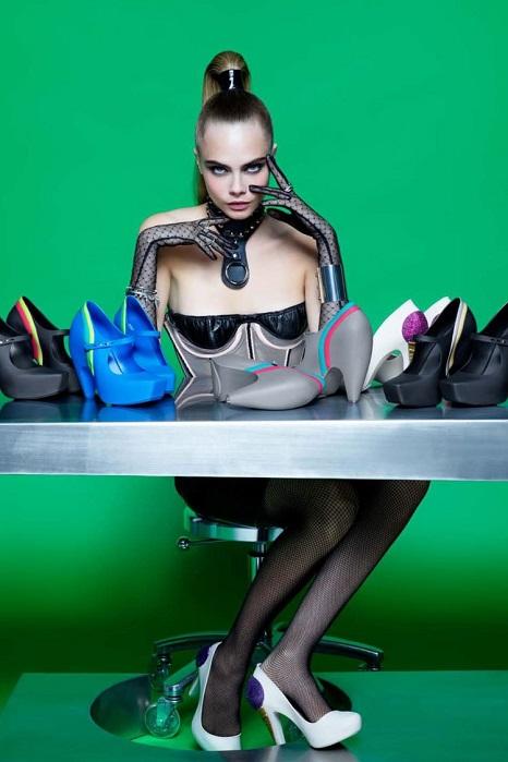 Cara Delevingne Melissa Shoes Karl Lagerfeld Campaign 02 Cara a Karl, nerozlučná dvojica
