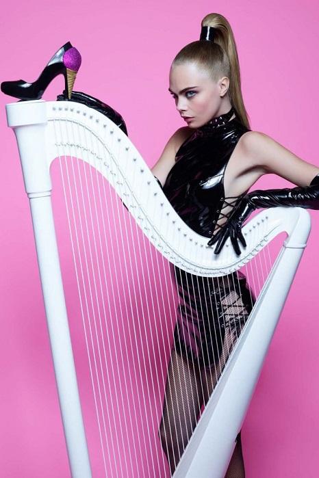 Cara Delevingne Melissa Shoes Karl Lagerfeld Campaign 03 Cara a Karl, nerozlučná dvojica