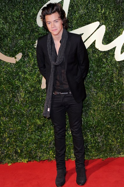 harry styles bfa vogue 2dec13 getty b 426x639 Exkluzívne: British Fashion Awards 2013