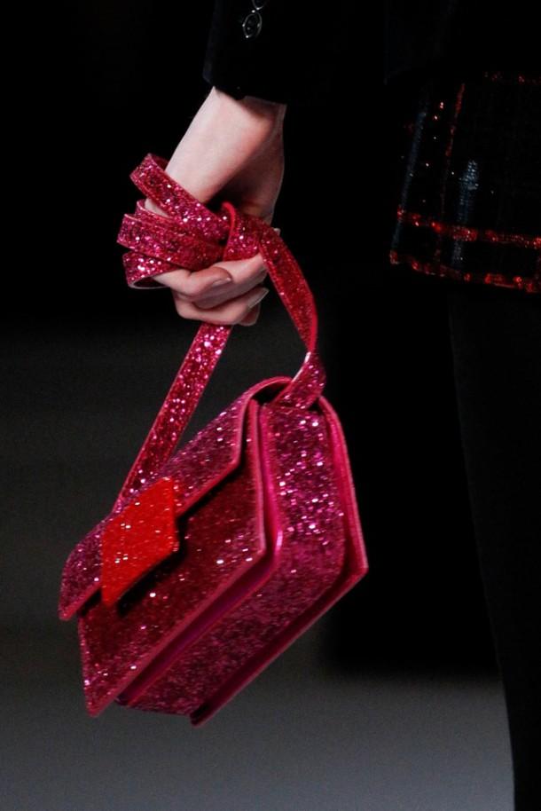 Best Bags at Paris Fashion Week FallWinter 2014 15 68 610x914 Najzaujímavejšie kabelky z jesenných kolekcií 2014