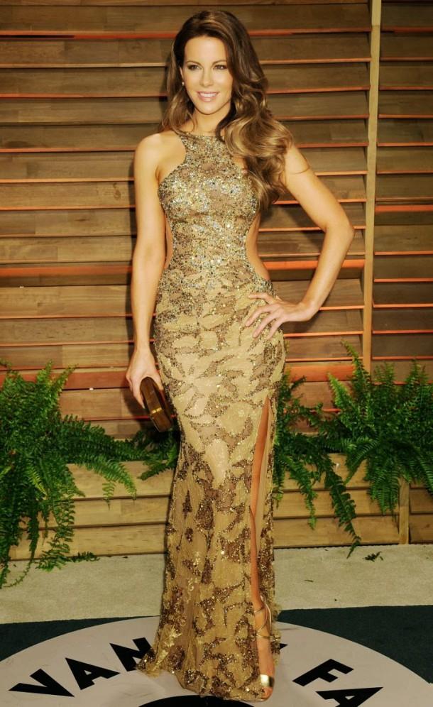 Kate Beckinsale Oscars 2014 Vanity Fair Party 610x996 Najlepšie a najhoršie outfity týždňa /Oscary 2014/