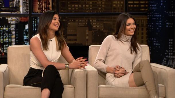 handler 20140115 highlight b 216730 1280x720 610x343 FASHION ICON: Kylie a Kendall Jenner