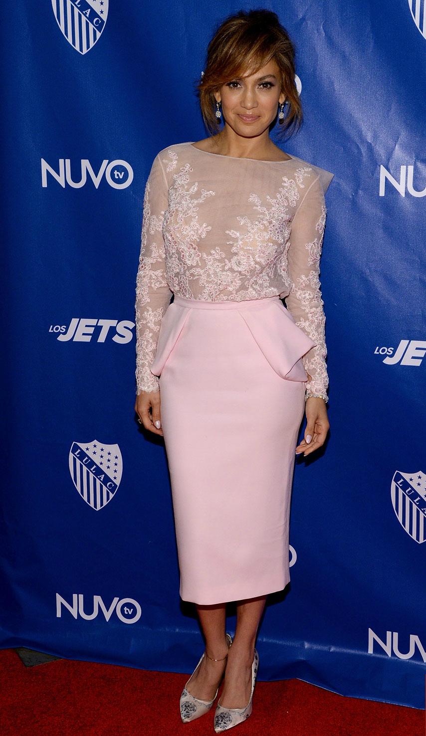 Jennifer Lopez Zuhair Murad LULACNUVOtv Luncheon Event Zuhair Murad Couture Bionda Castana Tom Lorenzo Site TLO 1 Najlepšie a najhoršie outfity týždňa
