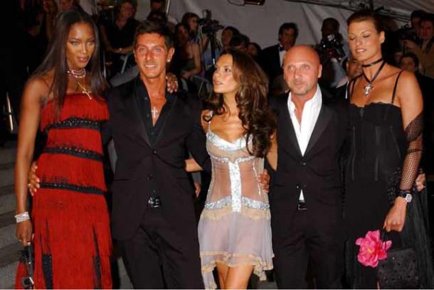 2003 LindaEvange8859700303 610x408 Najhoršie šaty na Met Ball