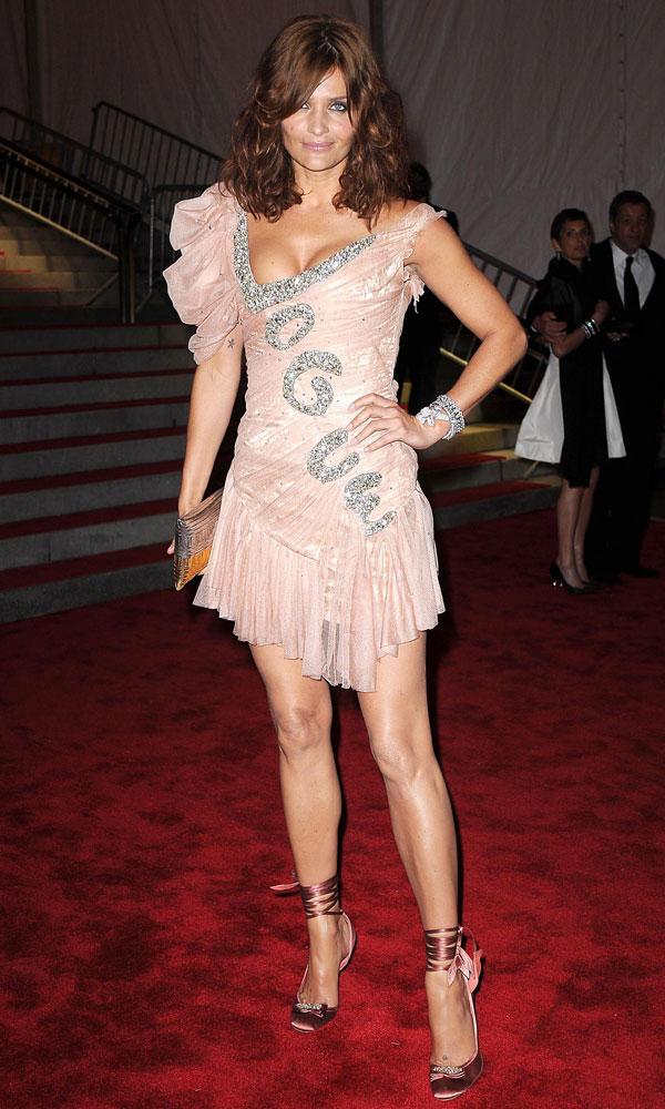HelenaChristensenInZacPosenAtTheMetBall2009 Najhoršie šaty na Met Ball