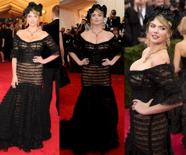 Kate Upton Shows Major Cleavage at Met Ball 2014 Red Carpet 610x510 Najhoršie šaty na Met Ball