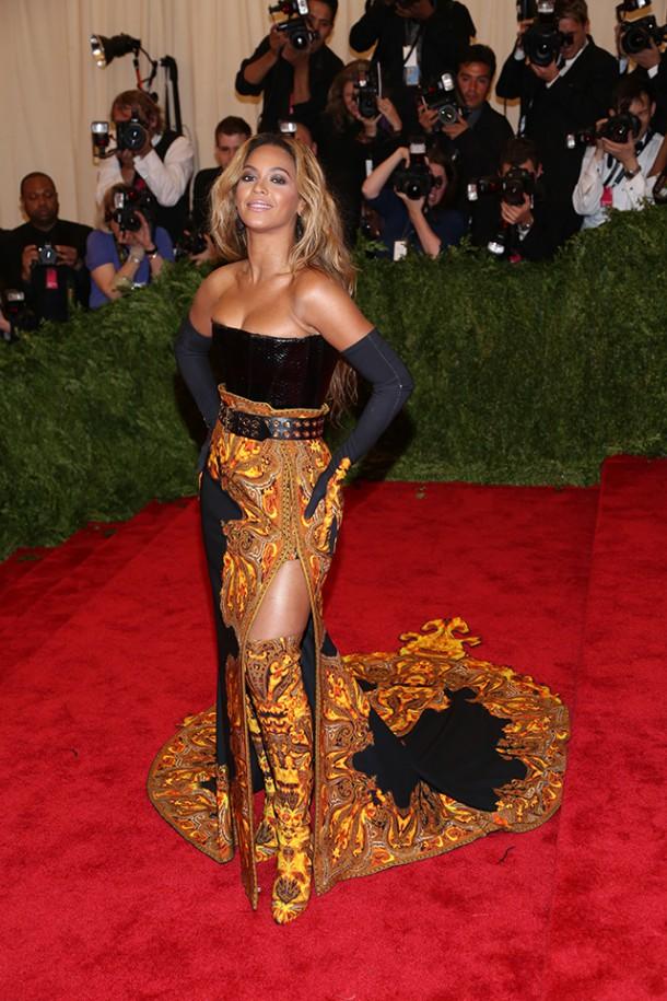 Met Gala 2013 Beyonce in Givenchy 610x915 Najhoršie šaty na Met Ball