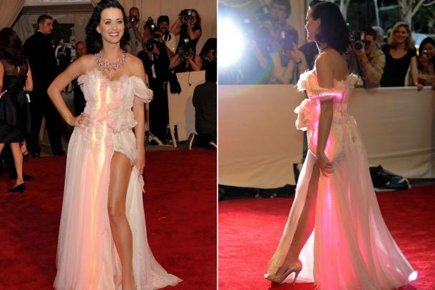 katyperry copy 610x406 Najhoršie šaty na Met Ball