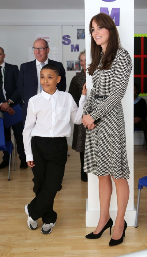 gettyimages 488745898 Najlepšie outfity Kate Middleton