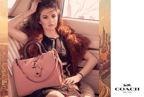 1 1 610x414 Selena Gomez v kampani Coach
