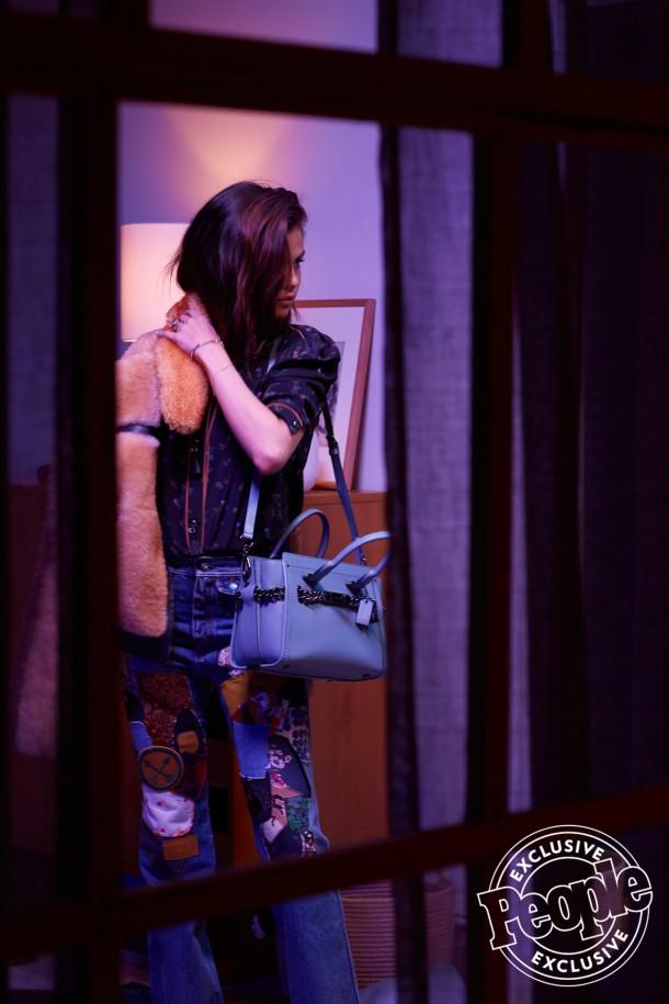selena gomez 11 610x915 Selena Gomez v kampani Coach