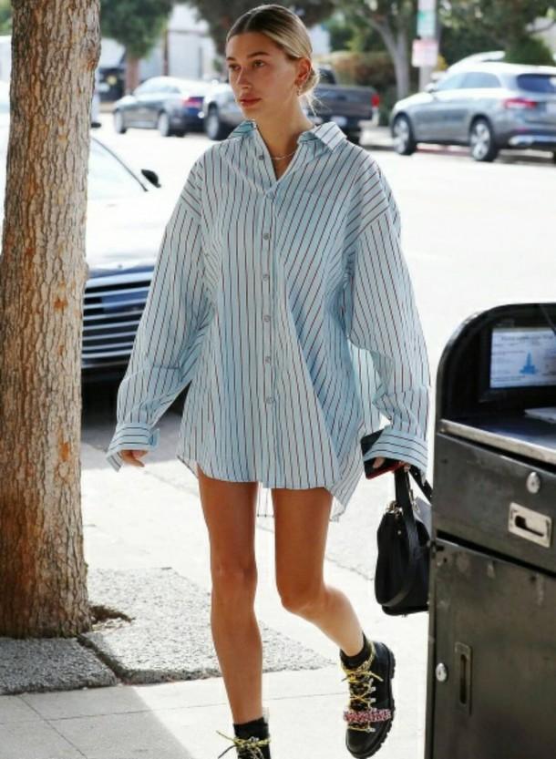 Hailey Baldwin 610x833 Svetové modelky a pyžamové looky v bežnom dni!