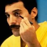 freddie mercury make up 150x150 Freddie Mercury a jeho neobyčajný štýl
