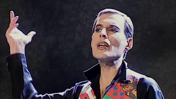 freddie mercury posledny videoklip 610x343 Freddie Mercury a jeho neobyčajný štýl