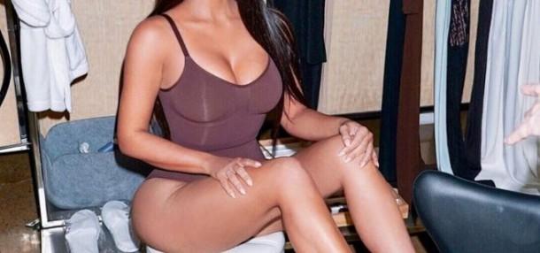 14072019 Stajlsk Kimono title 610x286 Kim Kardashian po predstavení svojej spodnej bielizne čelí obvineniam